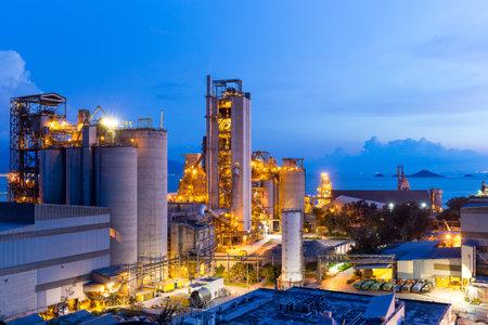 silos: Cement plant