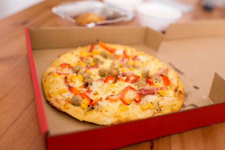 cardbox: Pizza in the cardbox