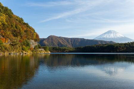 saiko: Mountain Fuji and lake saiko at autumn Stock Photo