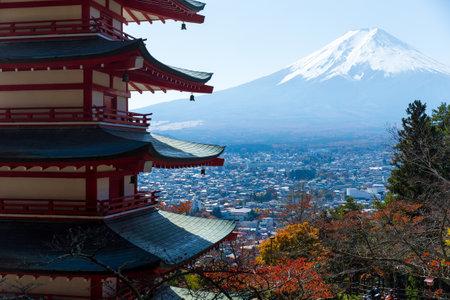 sengen: Mount Fuji and chureito pagoda