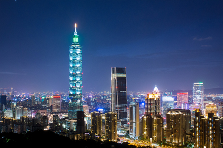 Taipei-stad bij nacht