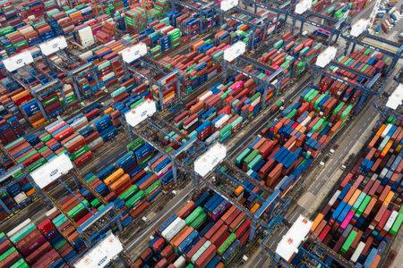 Kwai Tsing, Hongkong, 9 października 2018 r.: - Terminale kontenerowe Kwai Tsing w Hongkongu