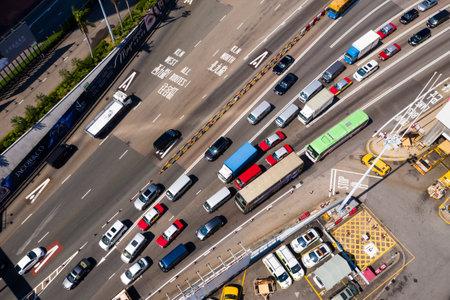 Hung Hom, Hong Kong, 07 de noviembre de 2018: - tráfico en el túnel que cruza el puerto Editorial