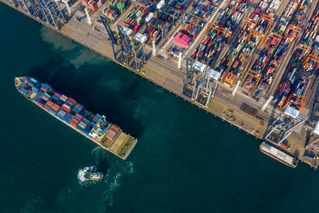 Kwai Tsing, Hong Kong, 12 February 2019: Container Terminals in Hong Kong Редакционное