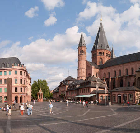 mainz: Marktplatz (Market square) and Mainz Cathedral in Mainz, Germany. The construction of the Cathedral began in 975 and the original building was deeply modified and expanded in the following centuries. Editorial