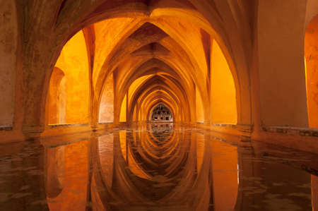 padilla: Los Baños de Doña María de Padilla (Baths of Lady María de Padilla) in the Alcazar of Seville.These baths are rainwater tanks and are located beneath the Patio del Crucero.