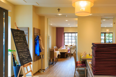 Passage to the dining room Standard-Bild
