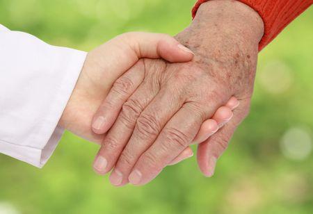 enfermera con paciente: Senior de enfermera