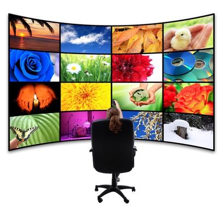 TV-Panel mit Fernbedienung Standard-Bild