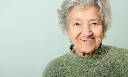 Portrait heureuse senior