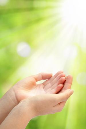 mano de dios: Abra las manos vacías Foto de archivo