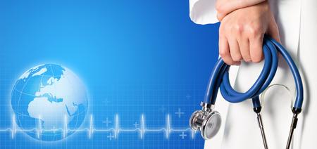 Blauwe medische achtergrond met verpleegster en blauwe stethoscoop Stockfoto
