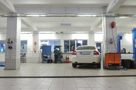 車修理サービス、メカニックの一連の関連画像 報道画像