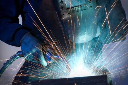 Worker welding steel - a series of METAL INDUSTRY images   Stock Photo - 14371458