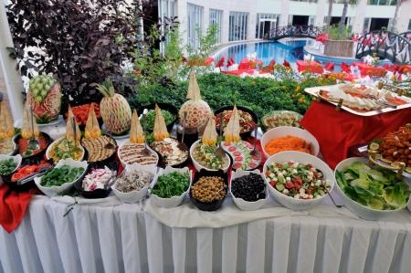 buffet: Catering eten op een bruiloft - een reeks RESTAURANT beelden