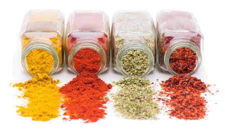 Spices and Herbs Pouring Banque d'images