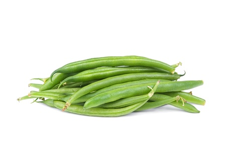 leguminosas: Cadena francesa green bean aislada sobre fondo blanco