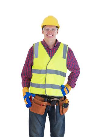 cinturon seguridad: Joven trabajador de la construcción sonriente aislados sobre fondo blanco