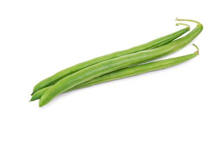 ejotes: Verde cadena de los granos aislados en el fondo blanco Foto de archivo