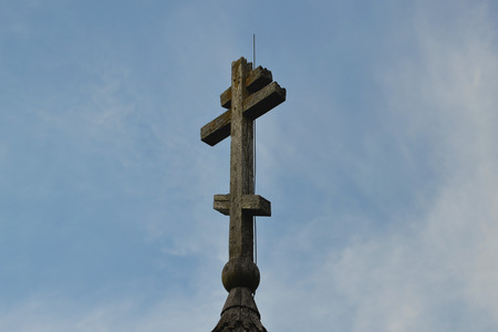 ladoga: The cross of the wooden Orthodox Church of Dmitry Solunsky at Staraya Ladoga city