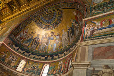di: Basilica di Santa Maria in Trastevere Editorial