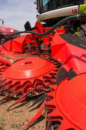 cosechadora: M�quina segadora en Shavuout