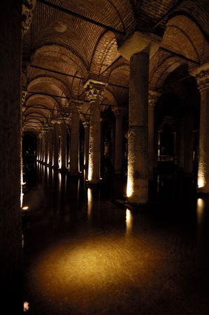 Yerebatan sarnici (saray) Basilica cistern. Underground water storage in Istanbul, Turkey.