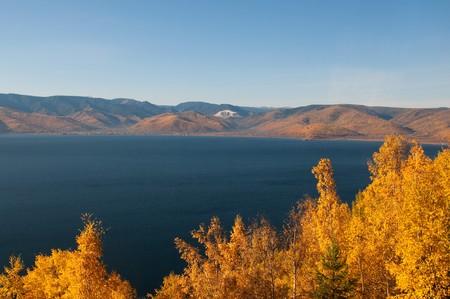 the deepest: Oto�o en lago Baikal - lago de agua dulce m�s antiguo, m�s profunda y m�s voluminosa del mundo