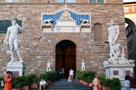 palazzo: FLORENCE, ITALY - JUNE 2010. Entrance of Palazzo Vecchio at evening in Florence, Tuscany, Italy.