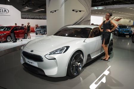gt: MOSCA, RUSSIA - 31 agosto: Moscow International Automobile Salon 2012. Kia GT concept car Editoriali