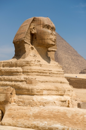necropolis: Famous ancient statue of Sphinx in Giza, Egypt