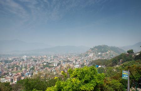 mundo contaminado: Vista panor�mica de la ciudad de Katmand� desde el templo de Bankok