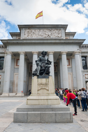prada: MADRID, SPAIN - OCT 12, 2014: Statue of Diego Rodriguez Velazquez at the front of Prada Museum in Madrid, Spain on Oct 12, 2014. Editorial