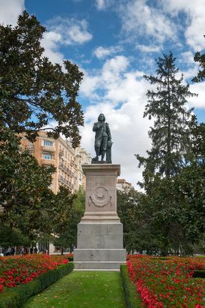 murillo: MADRID, SPAIN - OCT 12, 2014: Statue of Bartolome Esteban Murillo - Spanish Baroque painter in Madrid, Spain on Oct 12, 2014.