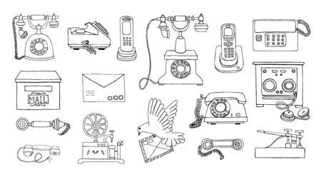 Vector vintage mezzi di comunicazione insieme del disegno a tratteggio. Collezione retrò in bianco e nero di telefono con quadrante rotante cablato, telefono radio, telegrafo, ricevitore, posta piccione, lettera, francobolli