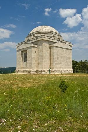 La mayor�a Santo Redentor iglesia, famoso mausoleo Mestrovic hecha por Ivan Mestrovic, monumento nacional Foto de archivo - 10263544