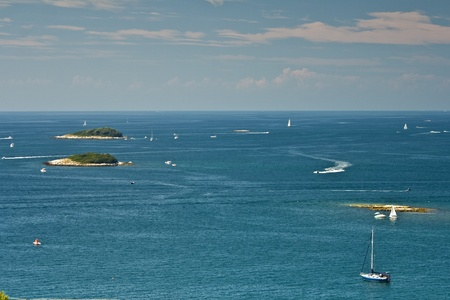 Islands and yachts photo