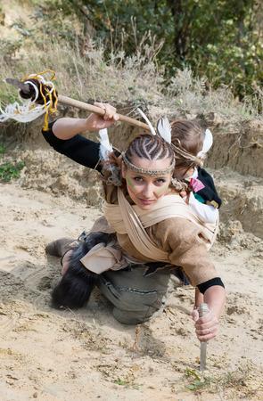 Indische Frau mit einem Kind, Jagd