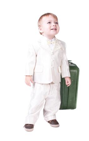 Glücklicher kleiner Junge lokalisiert auf weißem Hintergrund Standard-Bild - 98408355