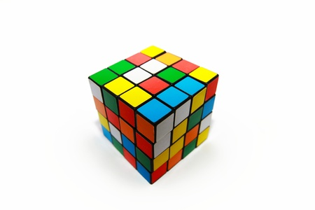 brain mysteries: cube Editorial