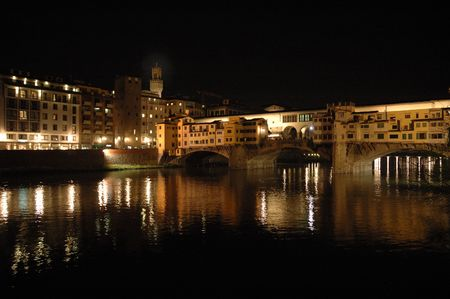 Ponte Vecchio bij nacht Stockfoto - 3111044