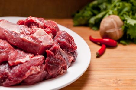 raw beef Фото со стока - 61676317