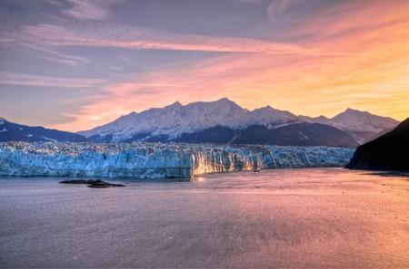 Zonsopgang bij Hubbard Glacier Alaska