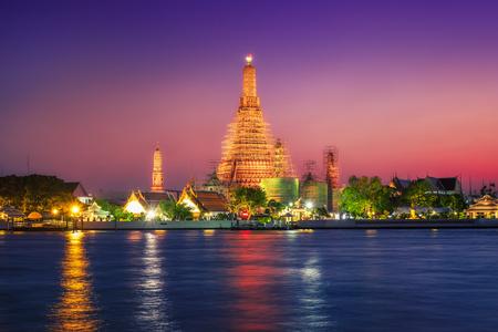 phraya: Bangkok Chao Phraya River and Wat Arun Stock Photo