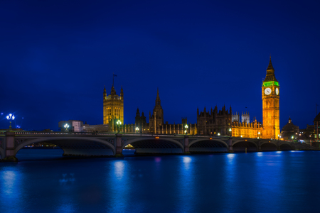 Long Exposure photography of the england parliament Reklamní fotografie - 83889664