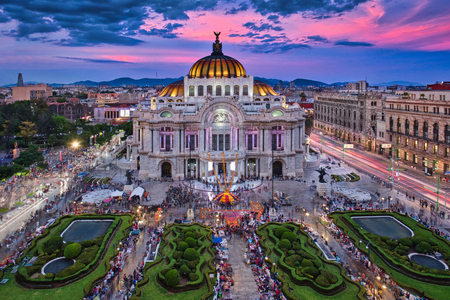 Photo of the Palacio of Bellas Artes at the sunset time