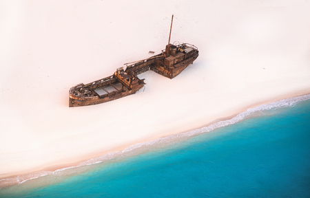 Photo of the top view of a shipwreck in Greece Stockfoto