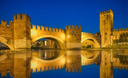 Photo of the Castelvecchio Bridge at the blue hour time