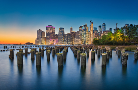 Long exposure photo at the Brooklyn Bridge Park in New York City Redakční