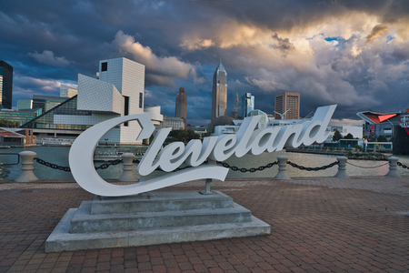 Photo of the city of Cleveland at the sunset time Redactioneel